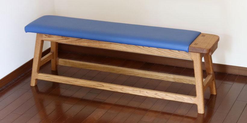 リビングやダイニングに置いてトレーニング、筋トレができるベンチ